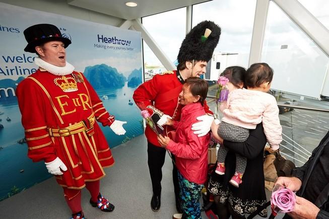 Vietnam Airlines chính thức khai thác sân bay mới ở Anh