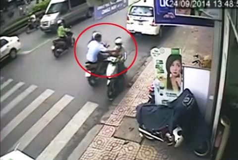 Cảnh sát hình sự 'bật mí' cách phòng tránh bị cướp giật