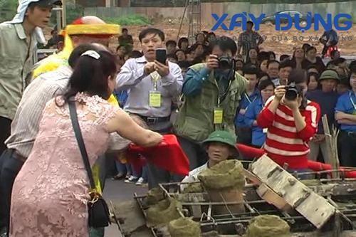 Kỳ lạ chuyện tượng vừa đúc xong biến mất tại Thái Nguyên