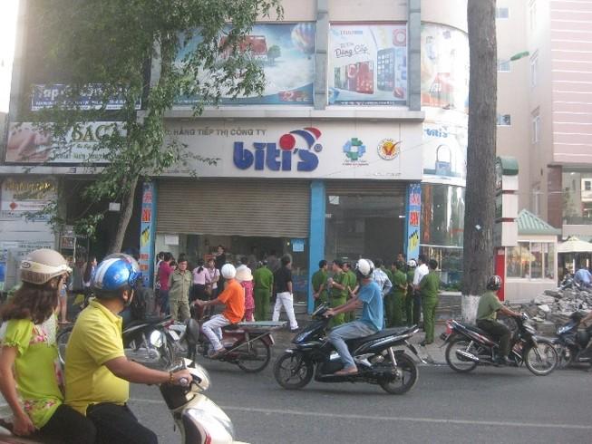 Biti's cháy cửa hàng giày dép, thiệt hại chưa xác định