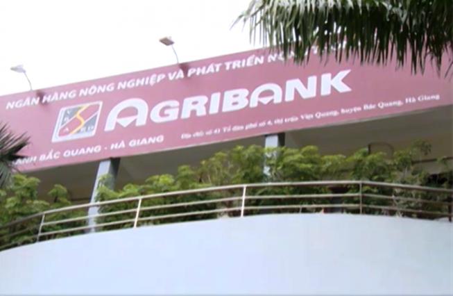 Một lãnh đạo cấp phòng ngân hàng Agribank bị khởi tố