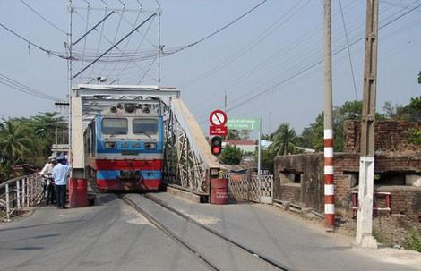 Vụ tai nạn đường sắt thảm khốc ở cầu Ghềnh: 4 năm chưa xử xong