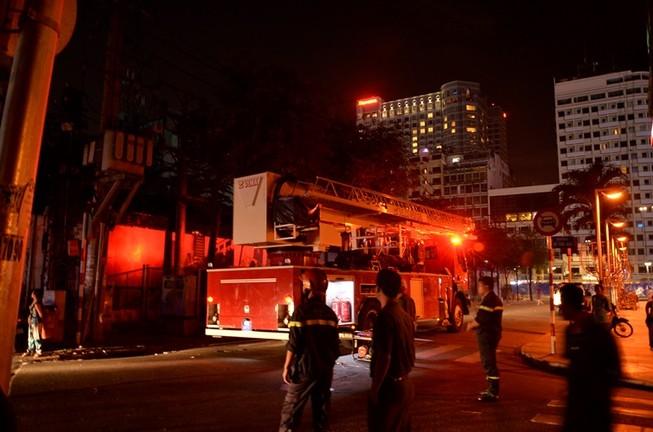 TP HCM: Cháy lớn tại chung cư ở quận 1
