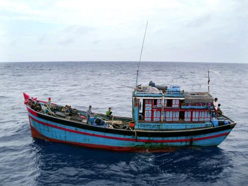 Thương tâm: Bốn người bị chết ngạt trong hầm cá