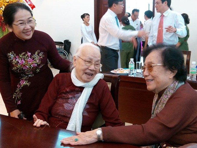 Cuộc gặp mặt đặc biệt của phu nhân TBT Nguyễn Văn Linh