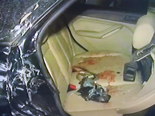 Xe bồn và ô tô tông trực diện, 5 người thương vong