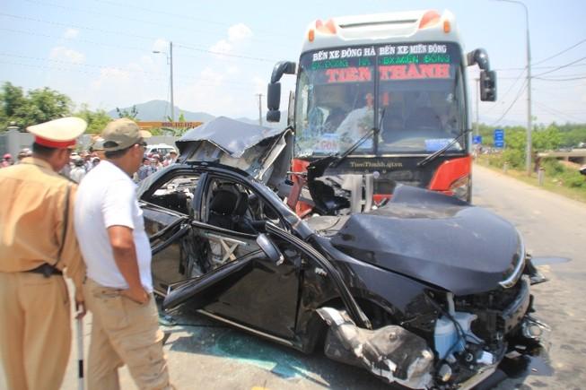 Hiện trường vụ tai nạn thảm khốc ở Đà Nẵng