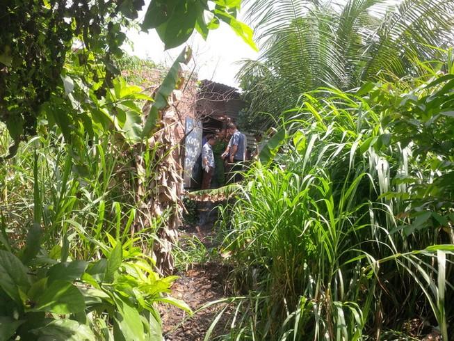 Phát hiện xác người treo cổ trong vườn mít