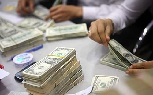 Mỗi người dân Việt Nam đang gánh khoảng 20 triệu đồng nợ công