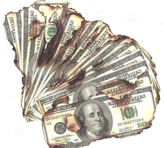 Vụ bị khởi tố vì đốt đô la xả xui: Công an khẳng định có tàng trữ đô la giả