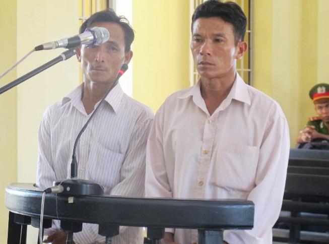 Tuyên án tù giam 2 người thân của HS bị công an xã đánh chết