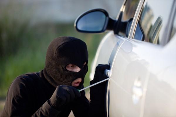 Hi hữu: Tên trộm vô tình bán lại xe hơi cho chủ