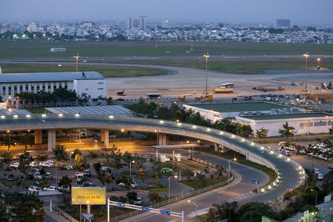 Xuất hiện nguy cơ camera bay xâm phạm sân bay TSN