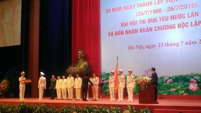 Trao tặng Huân chương Độc lập hạng Nhất cho ngành Kiểm sát nhân dân