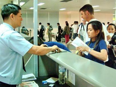 Giảm thời gian cấp giấy phép xuất nhập cảnh còn 5 ngày