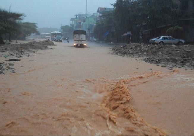 Diễn biến mưa phức tạp, cảnh báo thiên tai cấp độ 3 các tỉnh miền Bắc
