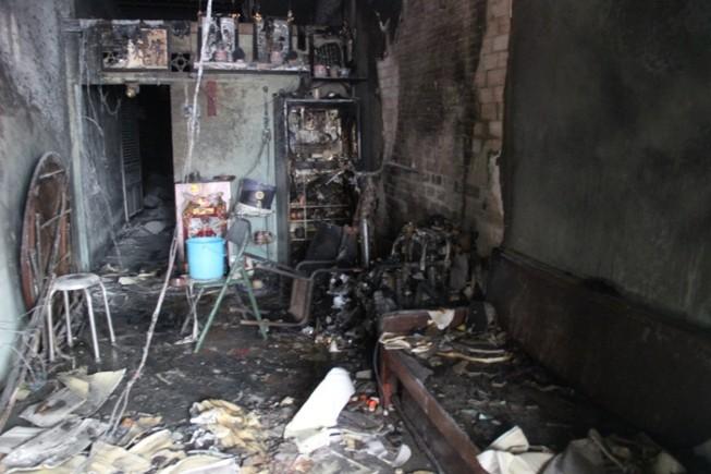 Cháy nhà khóa trái cửa, nhiều người dân hoảng loạn