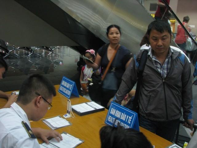 Dừng khai báo y tế đối với hành khách nhập cảnh từ Hàn Quốc