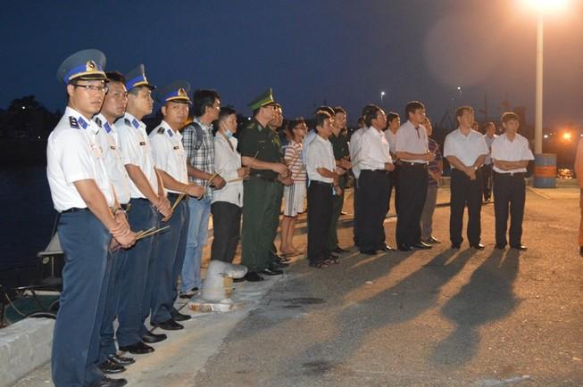 Đưa thi thể 3 ngư dân cuối cùng trong vụ nổ tàu cá về bờ