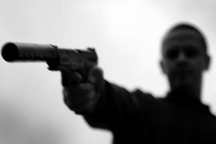 Dùng súng giả để… đòi nợ, đi tù thiệt