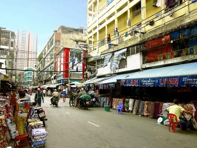 Tiểu thương chợ vải được thuế mời làm việc