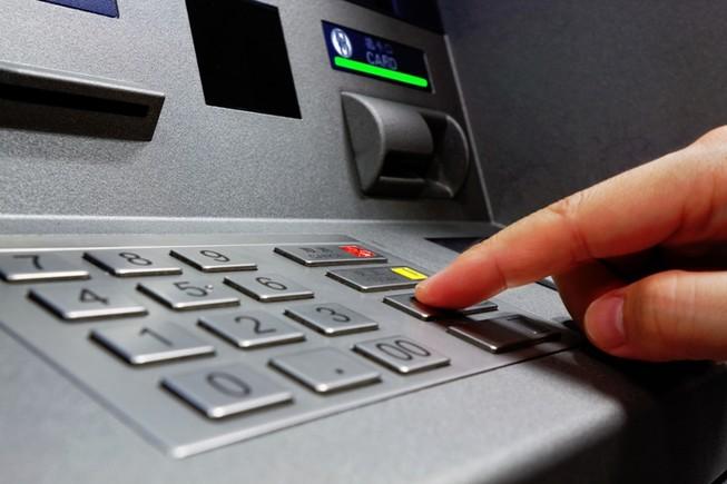 Biển thủ 650 triệu đồng bằng tài khoản thẻ ATM của giáo viên