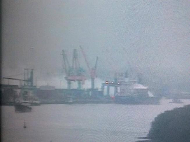 Cháy 20 container chở phốt pho tại cảng ở Hải Phòng