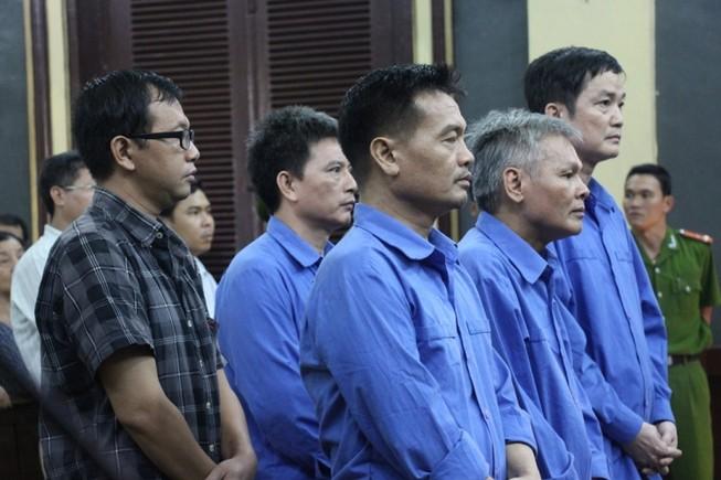 Nguyên tổng giám đốc có hai án tử hình lại lãnh thêm án