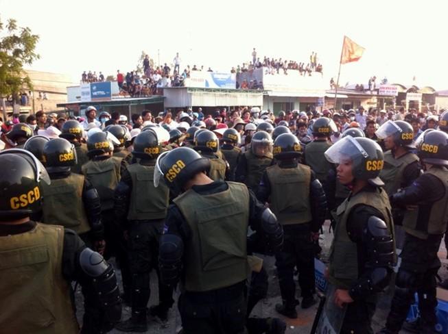 Đang xét xử vụ chặn QL1, làm bị thương hàng chục cảnh sát cơ động