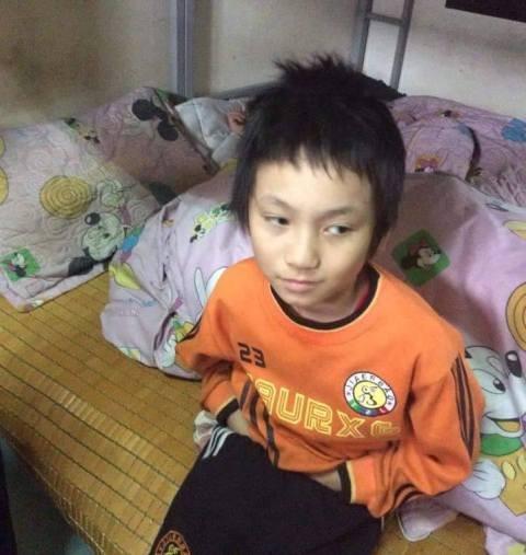 Truy tìm gia đình bé trai bị đói, rét đi lạc trong đêm
