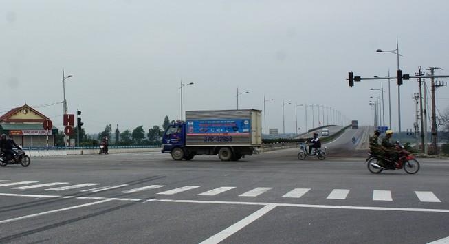 Bắt đầu tăng vé qua cầu Bến Thủy