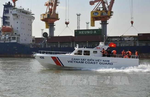 Lãnh đạo các tỉnh Nam Bộ chúc tết Bộ Tư lệnh Hải quân vùng 5