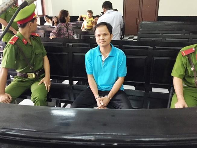 Chai nước có ruồi: Nguyên thẩm phán TAND Tối cao sẽ bào chữa cho bị cáo Minh
