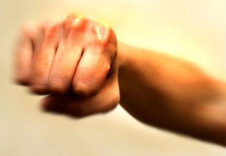 Nghi án chồng bị vợ con hành hung đến chết