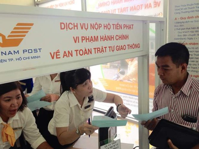 Nộp phạt vi phạm giao thông qua bưu điện: 15 phút là xong