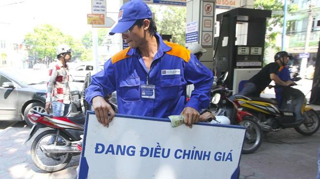 Lùm xùm thuế suất xăng dầu: Trách nhiệm nơi ban hành văn bản