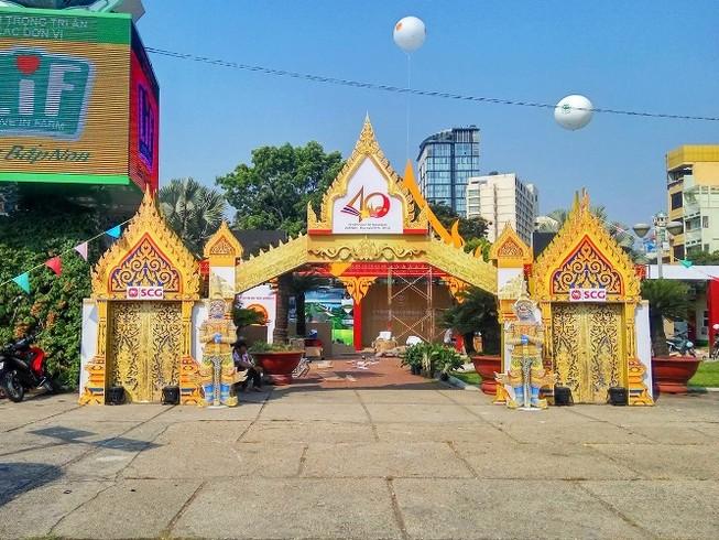 Rực rỡ lễ hội Thái Lan