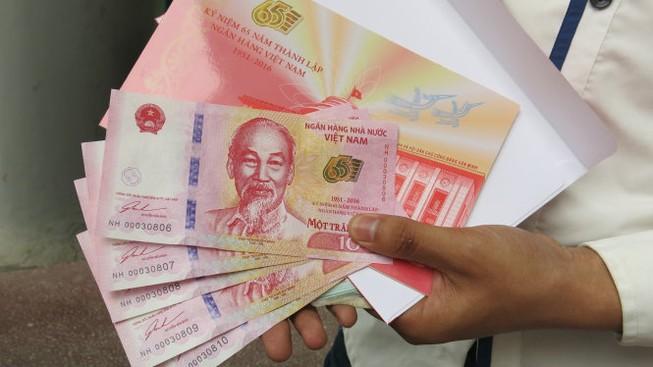 TP.HCM: Tăng số lượng tiền lưu niệm bán ra trong ngày