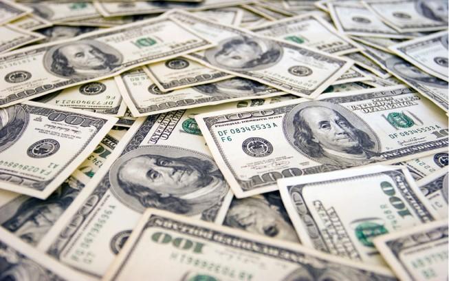 Giá đôla tự do rẻ hơn ngân hàng