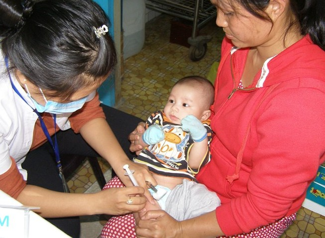 Triển khai tiêm vaccine Pentaxim đợt ba