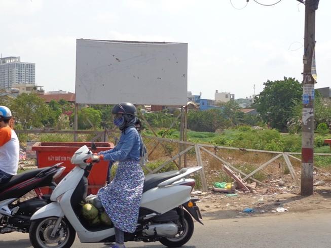 Đừng 'treo' mãi các dự án cầu, đường…