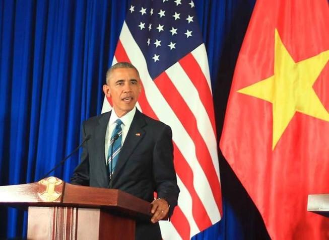Tổng thống Obama công bố gỡ bỏ cấm vận vũ khí đối với Việt Nam