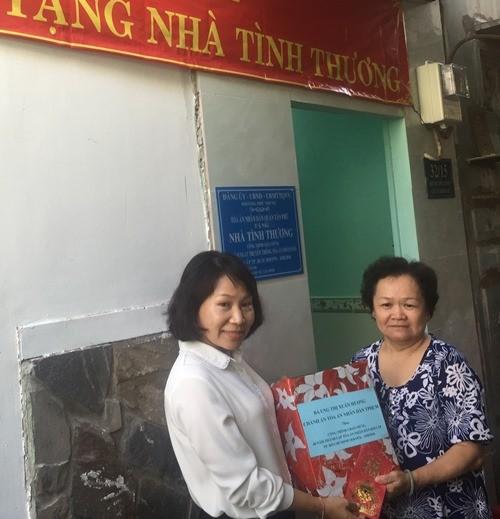 TAND quận Tân Phú trao nhà tình thương
