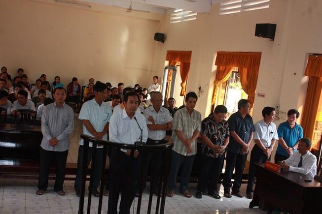 10 cán bộ hải quan Kiên Giang bị đề nghị 5 đến 7 năm tù