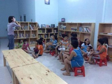 Thư viện sách miễn phí của một người mẹ trẻ