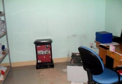 Trộm 'viếng' trụ sở huyện, cạy tung két sắt
