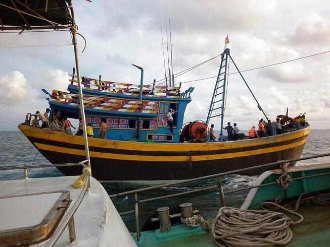 2 cán bộ bị đánh đập, chửi rủa thậm tệ trên biển