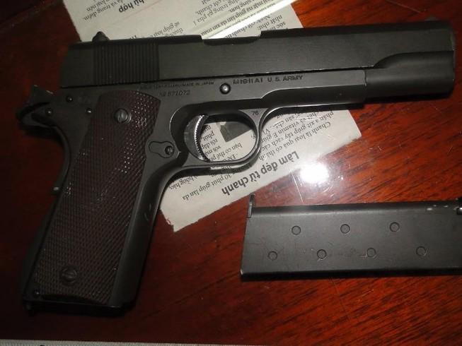 Truy tìm kẻ bán súng quân dụng cho đầu nậu ma túy