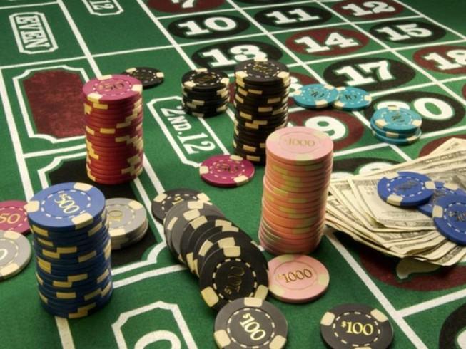 Lương 10 triệu được đánh bạc ở casino: 'Tôi rầu quá'