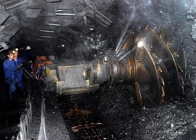 Đường nước lò than vỡ, 3 công nhân bị vùi lấp